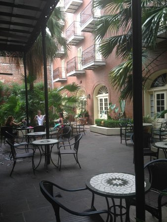 Hotel St. Marie: Courtyard pic 2