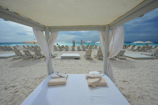 Live Aqua Cancun All Inclusive: Cabana View