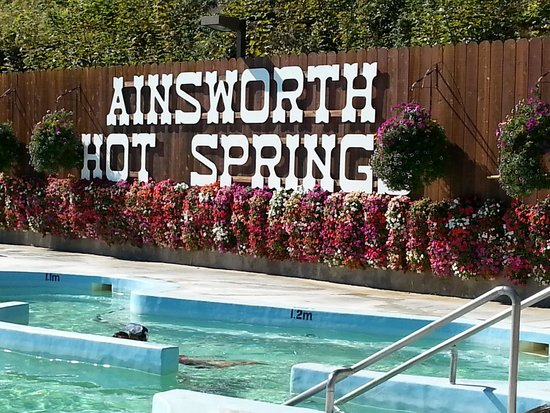 Ainsworth Hot Springs Resort: main pool