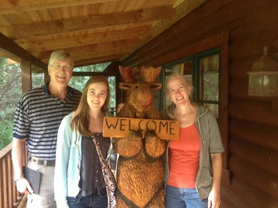 Loose Moose Lodge Bed & Breakfast : Guests with our host!