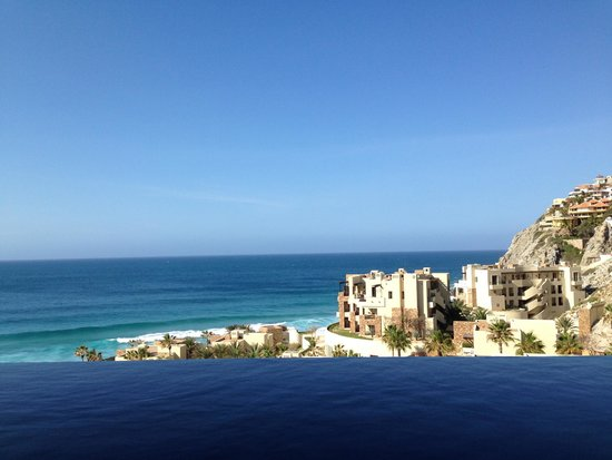 The Resort at Pedregal: The view from the infinity pool on our balcony