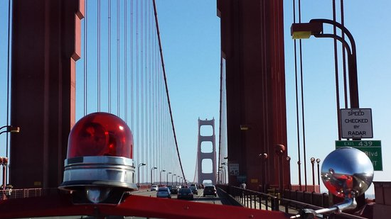 San Francisco Fire Engine Tours & Adventures : Over the Golden Gate in a genuine 50s fire engine!