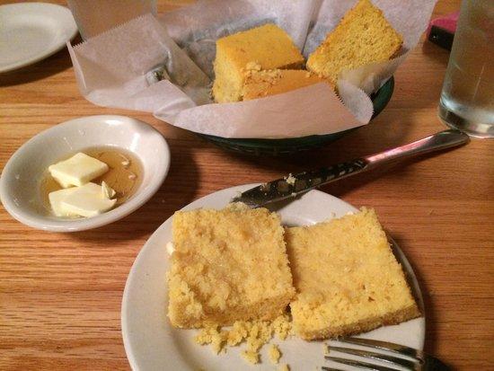 Jestine's Kitchen: Corn bread