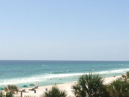 The Sandpiper Beacon Beach Resort: Beach