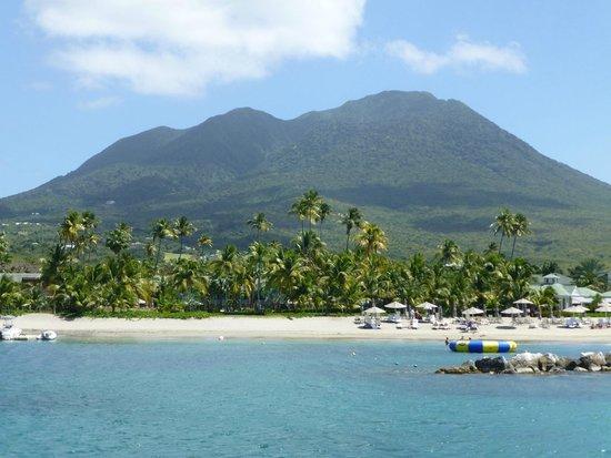 Pinney's Beach: Nevis