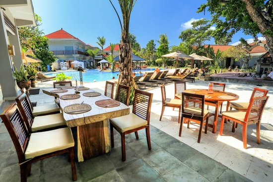 Puri Saron Seminyak: The Camplung Restaurant