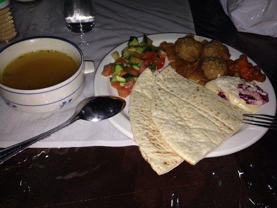 Cleopetra Hotel: 朝食は、かなりボリュームがあり、美味しいです!この価格で、この味は…。費用対効果高いと思います。