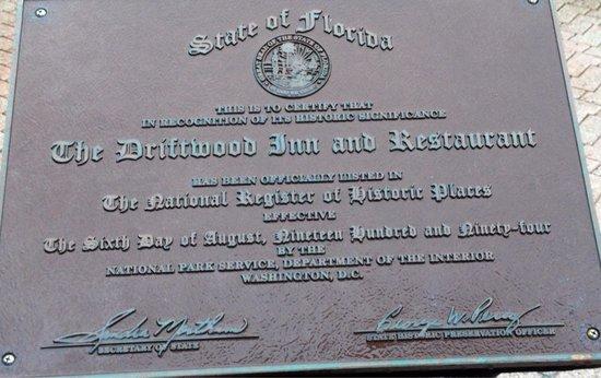 Driftwood Resort : Historic Inn