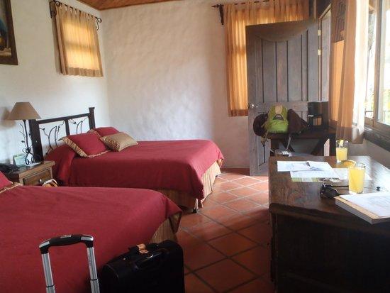 Casa Luna Hotel & Spa: The room.