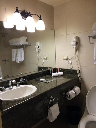 Country Inn & Suites By Carlson, Panama Canal, Panama: Baño