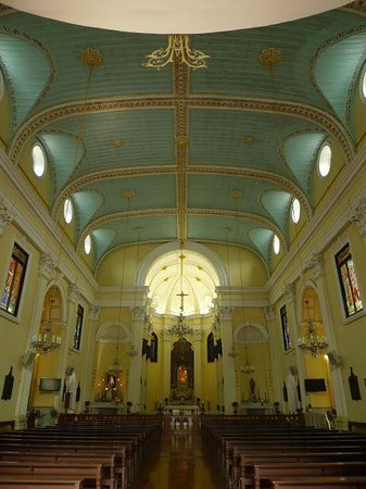 St. Lawrence's Church: 内部
