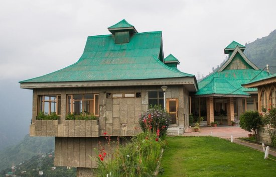 The Srikhand (HPTDC): The picture of the hotel which everyone takes :)