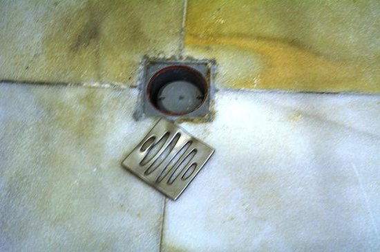 Luxury Bahia Principe Runaway Bay: Loose shower drain.