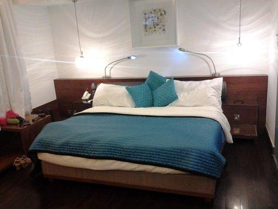 The Park New Delhi: kingsize bed