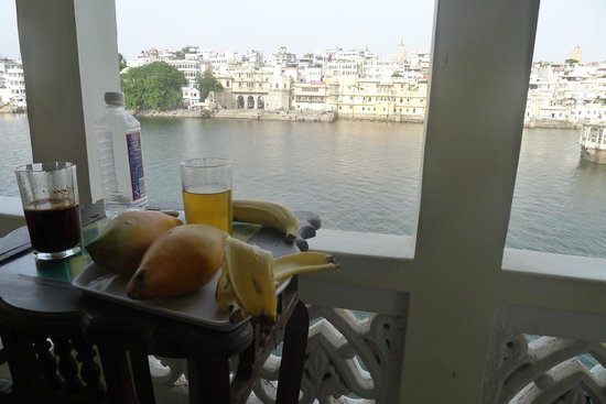 Travelogy India: lunch time