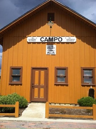 Pacific Southwest Railway Museum : campo depot