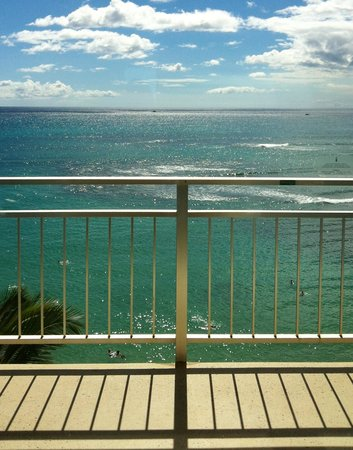 The New Otani Kaimana Beach Hotel: My room view
