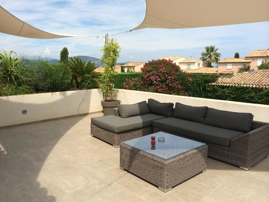 terrasse coin jacuzzi picture of hotel font mourier cogolin tripadvisor. Black Bedroom Furniture Sets. Home Design Ideas