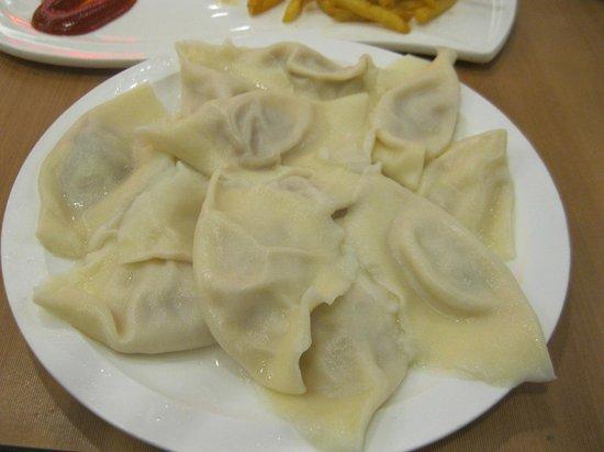 Harbin DongFang JiaoZi Wang (ZhongYang Main Street): 餃子
