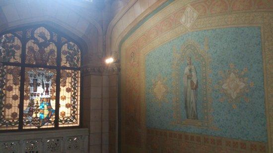 Universidad Pontificia : Subiendo las escaleras te encuentras esta preciosidad
