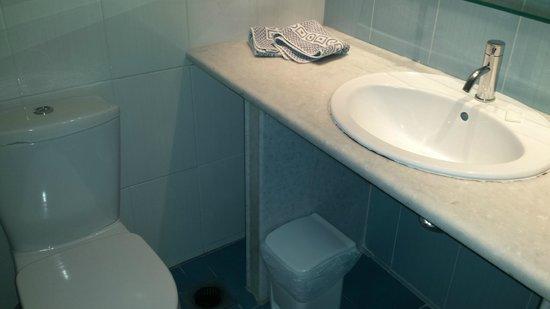 Tsilivi Admiral Hotel : clean