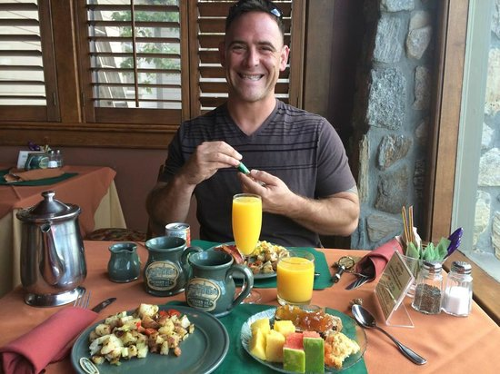 Orchard Hill Country Inn: breakfast