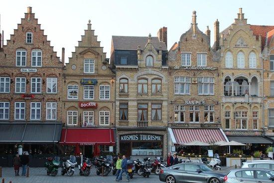 Hotel O Ieper - Grote Markt: Street scene