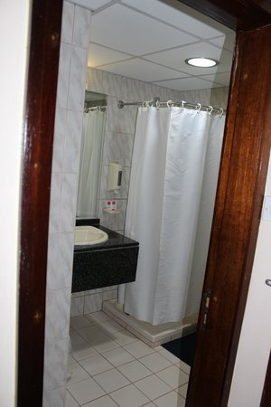 Arusha Crown Hotel: Toilette