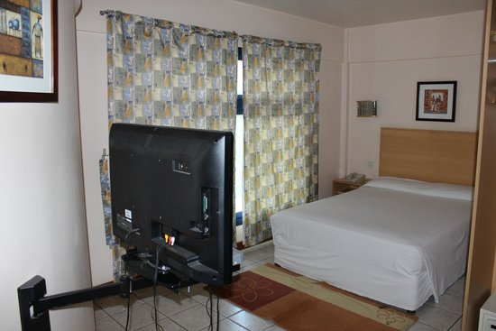 Arusha Crown Hotel: Room