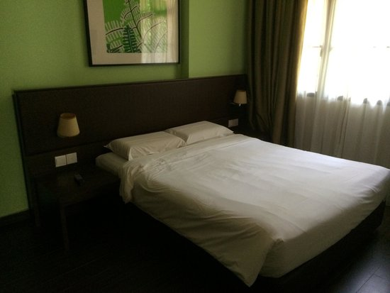 Costa Sands Resort (Sentosa) : Reasonable clean bedroom