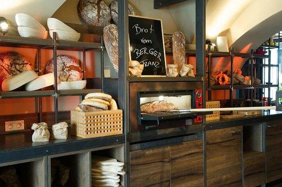 Paul S Brotstation Picture Of Paul S Kuche Bar Linz Tripadvisor
