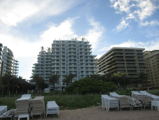 Grand Beach Hotel Surfside : le batiment moderne