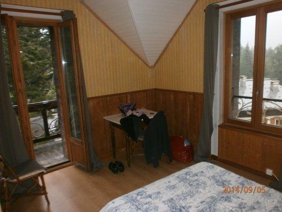 Hotel L'aiguille Verte: chambre avec balcon