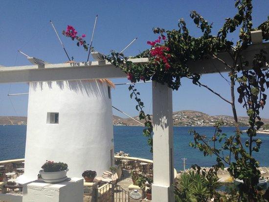 Pandrossos Hotel: balcony on the hotel