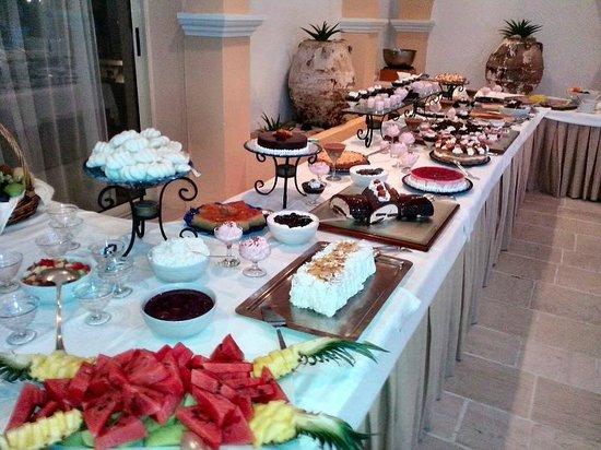 Corfu Palace Hotel: Buffet dessert Soirée barbecue