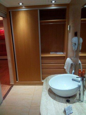Servigroup Nereo: Armario habitación superior