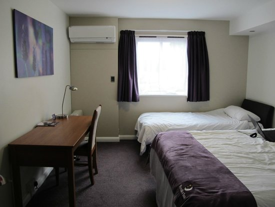 Premier Inn London Hayes, Heathrow Hotel : Family room