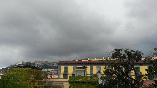 Hotel Piazza Bellini: Vista col brutto tempo