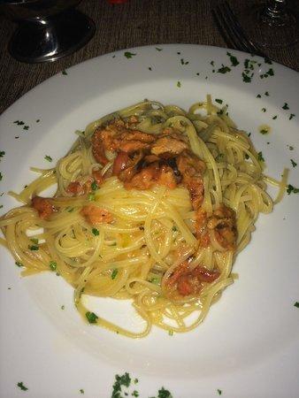 Tavernetta del Gusto: Un piatto di linguine ai ricci di mare SONTUOSO!!!