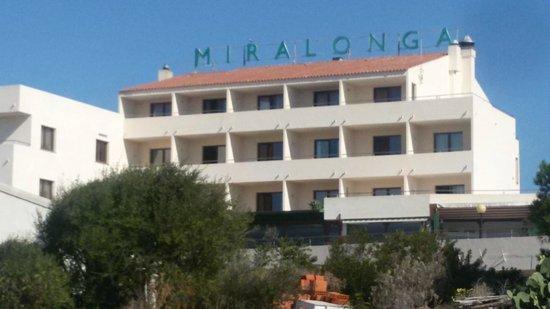 Hotel Miralonga : hotel dalla strada