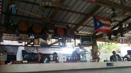 Cowboys Cantina & Outside Grill: The bar
