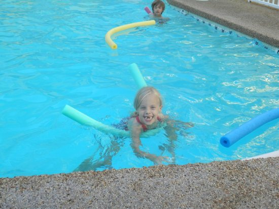 Magic Castle Hotel: In the pool