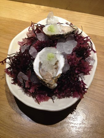 Pakta Restaurant: Oysters with apple ice and wasabi