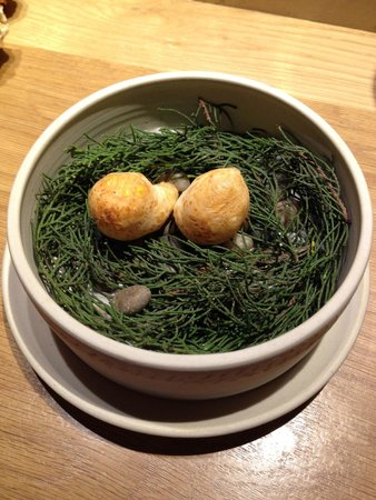 Pakta Restaurant: Yucca flour croquettes with huancaina sauce