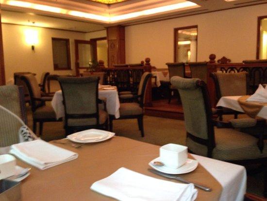 Mansingh Towers: レストラン
