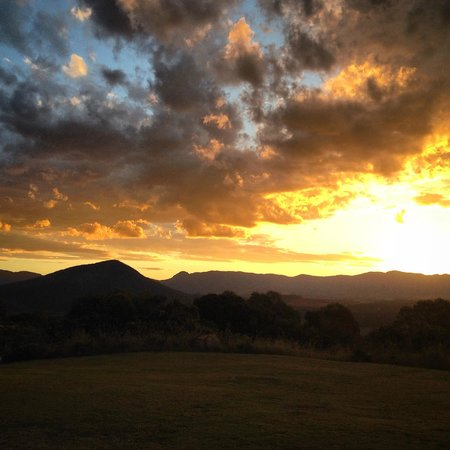The Bunyip Scenic Rim Resort: Sunset behind The Great Dividing Range (from room)