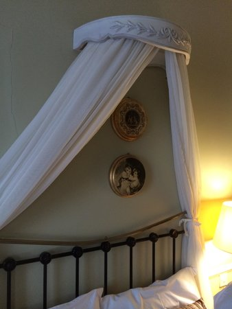 The Old Bank Bed and Breakfast: Period Bedroom