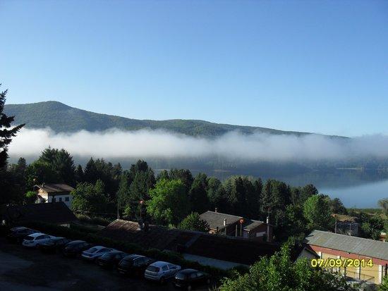 Residenza Lorica : Vista lago prime ore del mattino