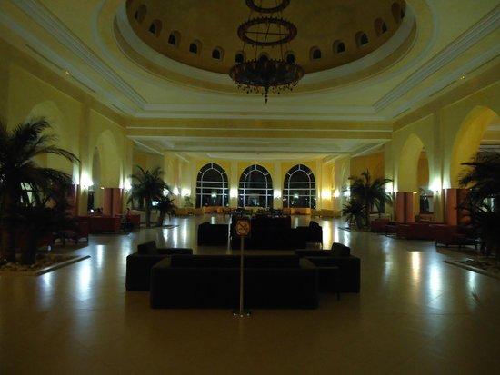 Zita Beach Resort: Hall