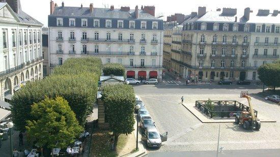 Radisson Blu Hotel, Nantes : Une des Vues de la Suite sur la place